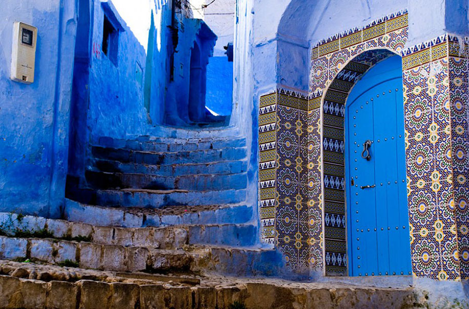 blue-town-walls-chefchaouen-morocco-10