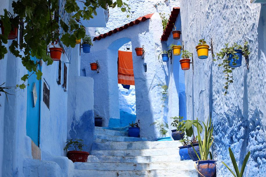 blue-town-walls-chefchaouen-morocco-14