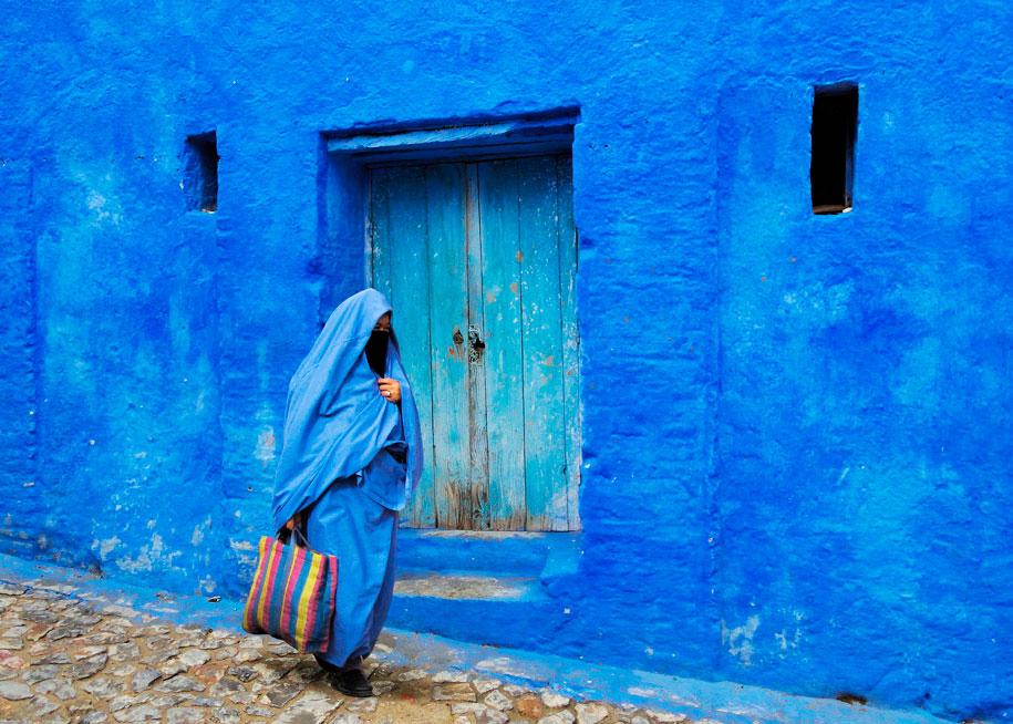 blue-town-walls-chefchaouen-morocco-16