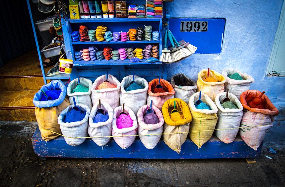 blue-town-walls-chefchaouen-morocco-17