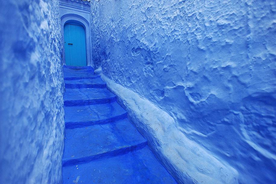blue-town-walls-chefchaouen-morocco-4
