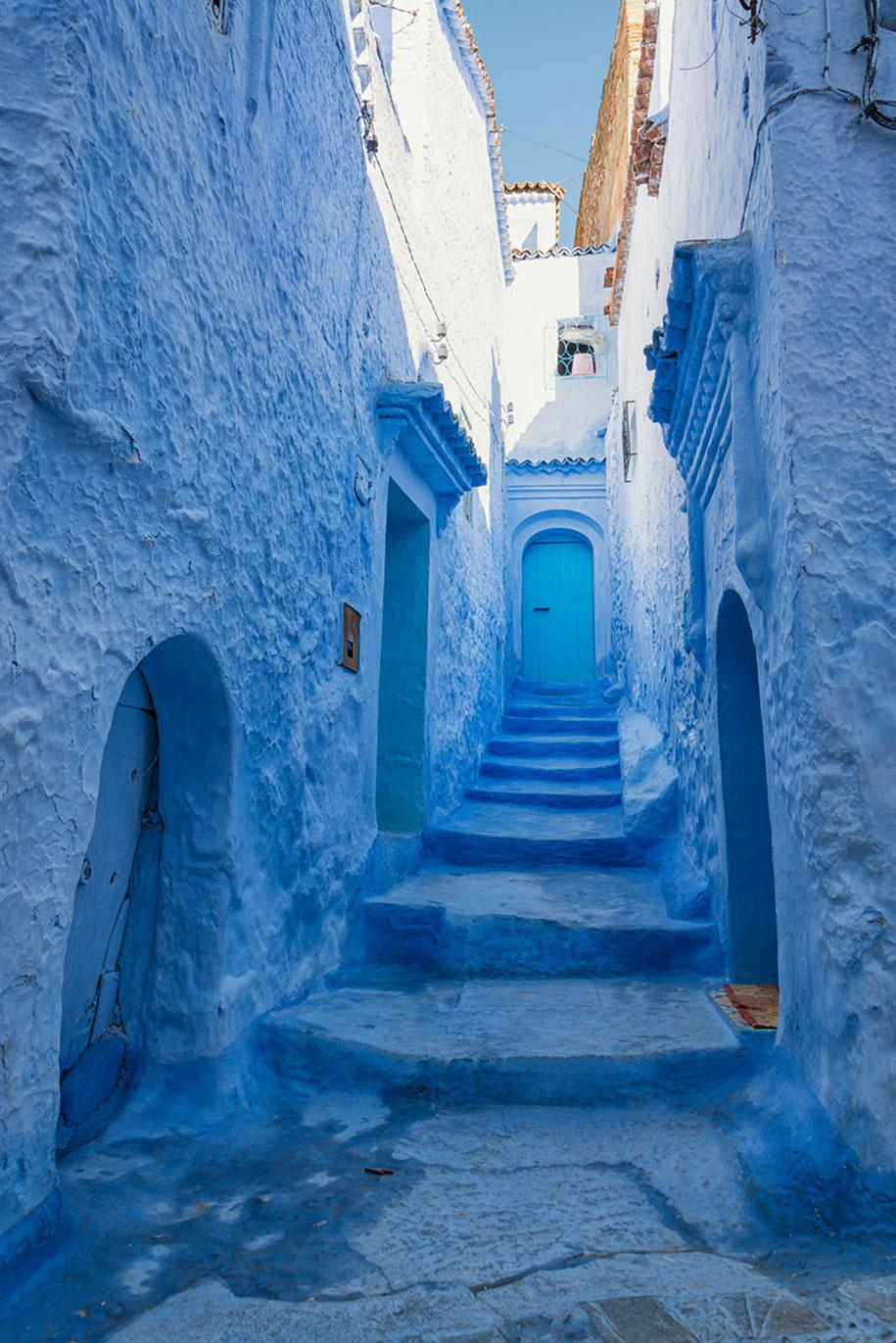 blue-town-walls-chefchaouen-morocco-6