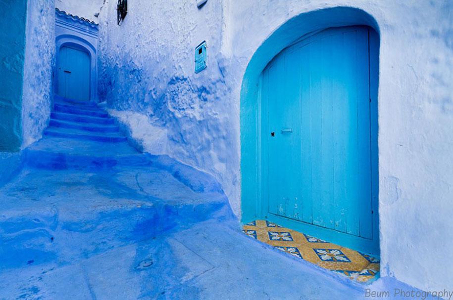blue-town-walls-chefchaouen-morocco-9