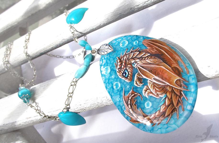 fantasy-creatures-stone-painting-necklaces-alvia-alcedo-2