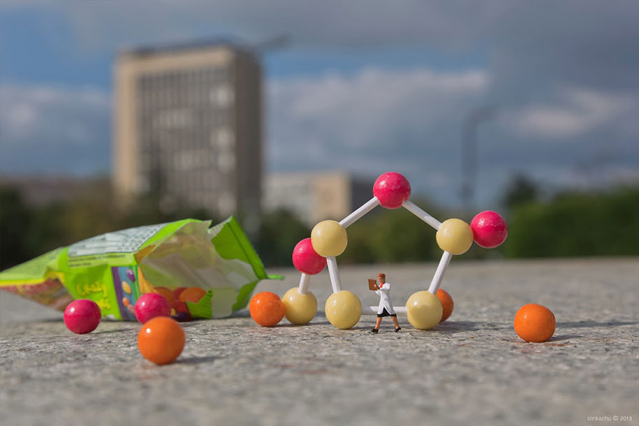 little-people-project-diorama-art-slinkachu-8