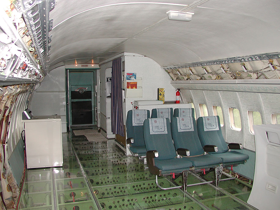 old-boeing-727-recycled-plane-home-bruce-campbell-14