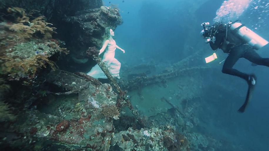underwater-photography-shipwreck-bali-benjamin-von-wong-9