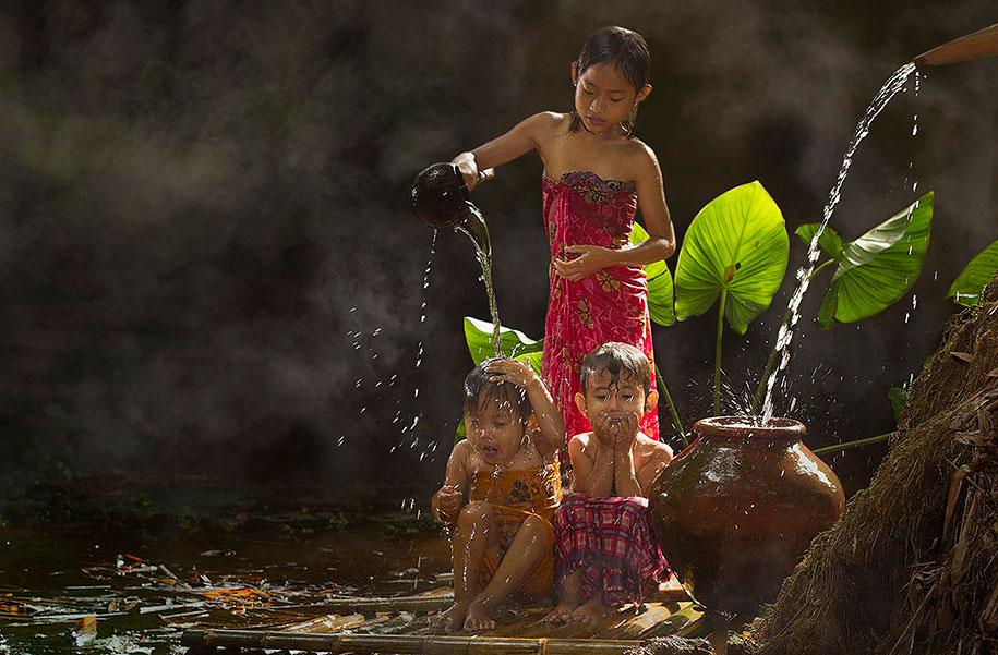 village-life-indonesia-herman-damar-1