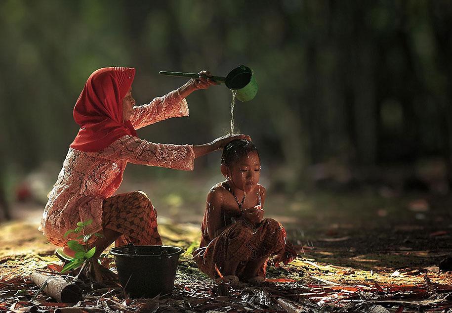 village-life-indonesia-herman-damar-16