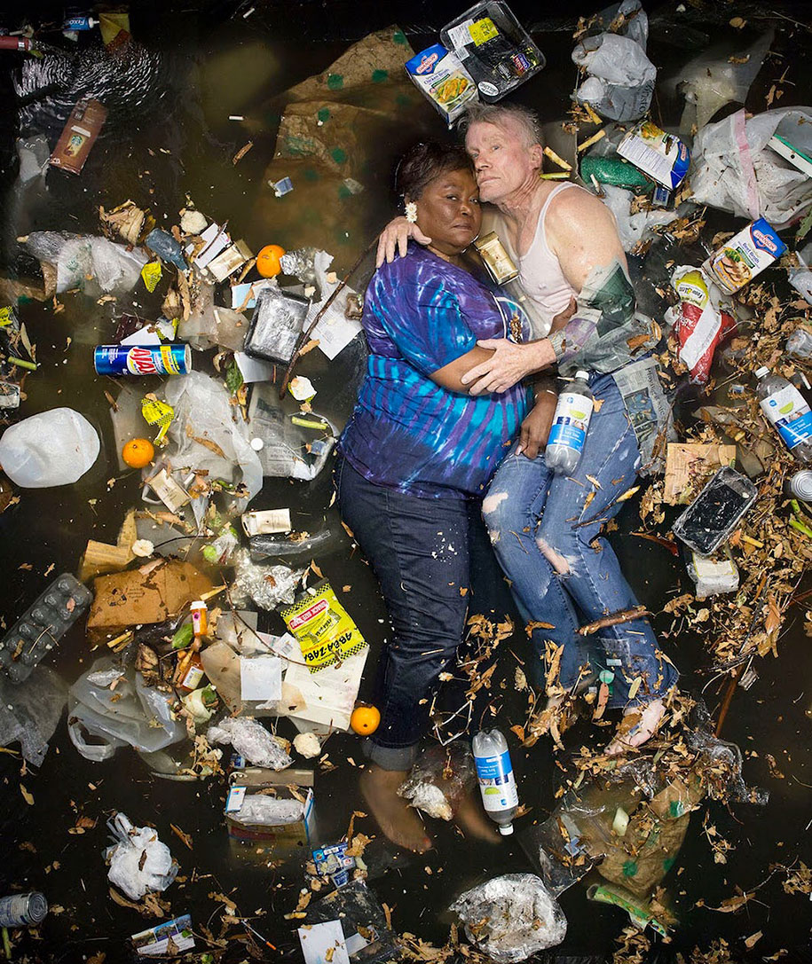 7-days-of-garbage-environmental-issues-photography-gregg-segal-10