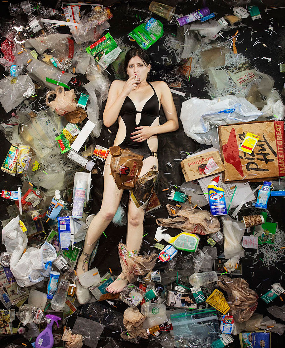 7-days-of-garbage-environmental-issues-photography-gregg-segal-11