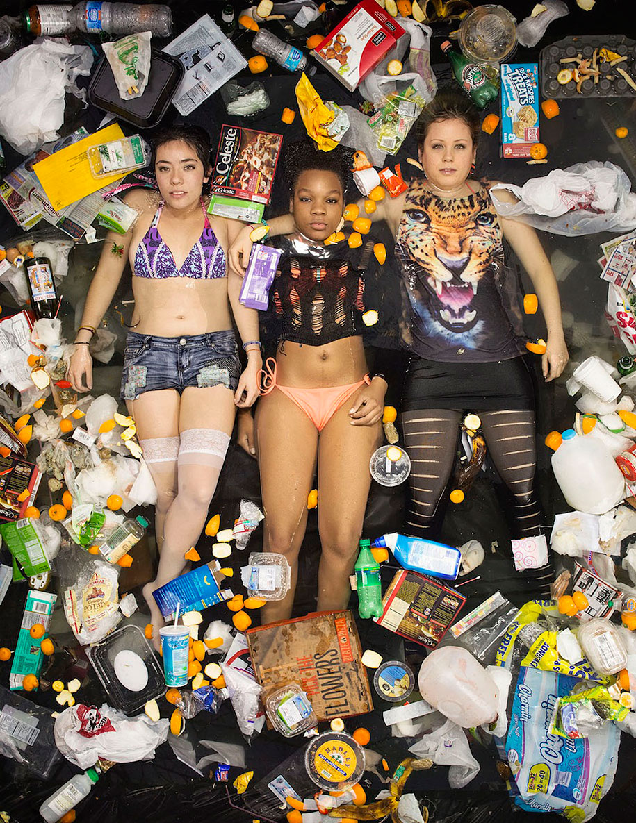 7-days-of-garbage-environmental-issues-photography-gregg-segal-9
