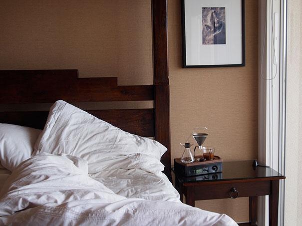 barisieur-alarm-clock-coffee-maker-joshua-renouf-13