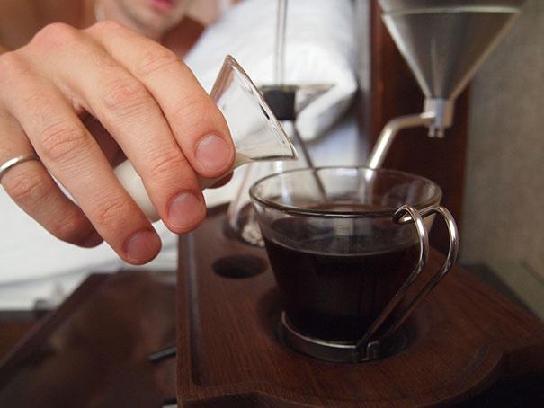 barisieur-alarm-clock-coffee-maker-joshua-renouf-4