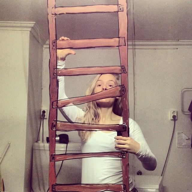 bathroom-mirror-selfies-funny-illustration-art-mirrorsme-17