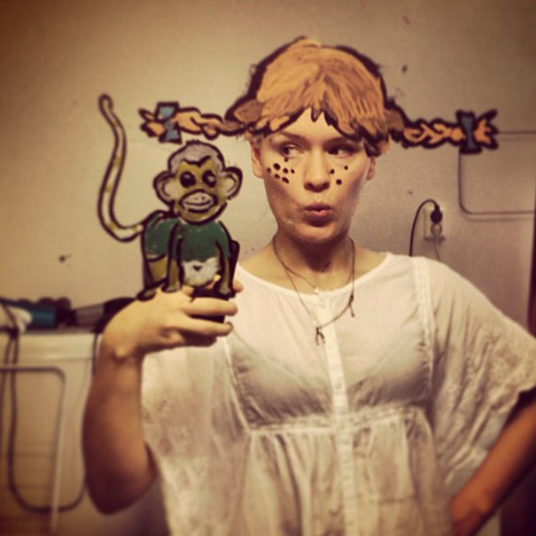 bathroom-mirror-selfies-funny-illustration-art-mirrorsme-20