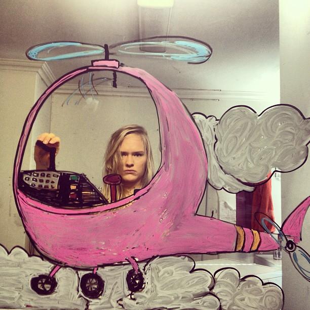 bathroom-mirror-selfies-funny-illustration-art-mirrorsme-24