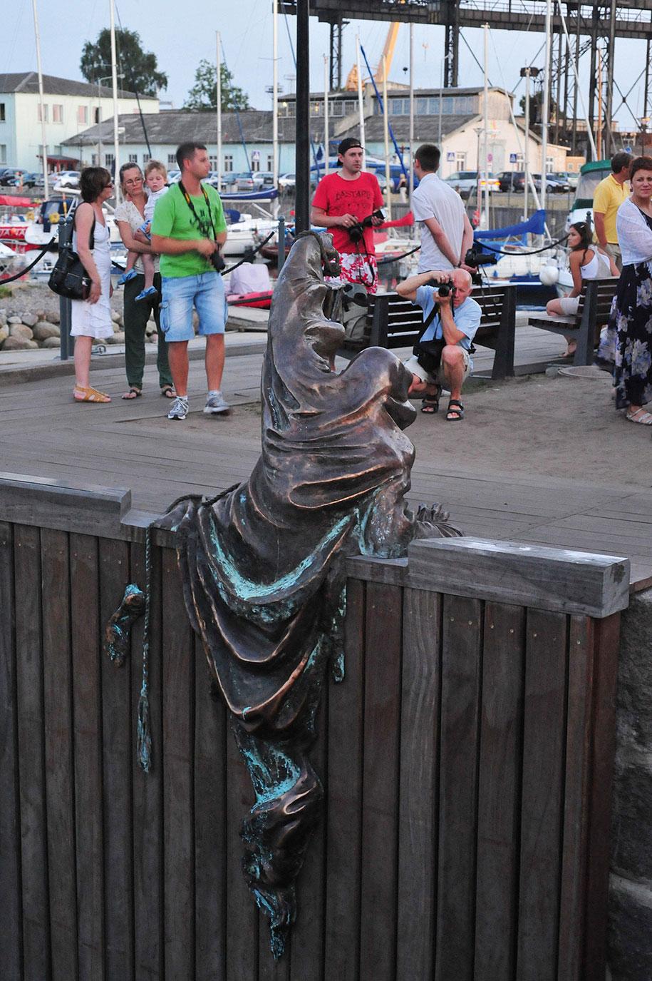 creative-statues-interesting-sculptures-10