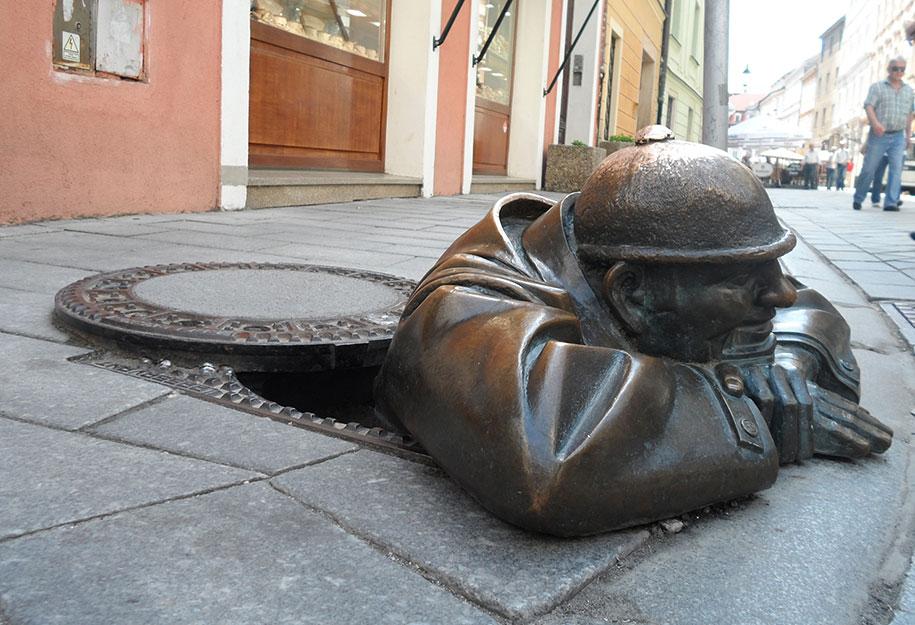 creative-statues-interesting-sculptures-22