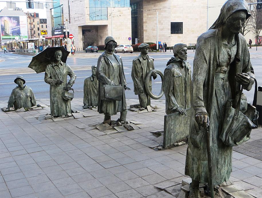 creative-statues-interesting-sculptures-3