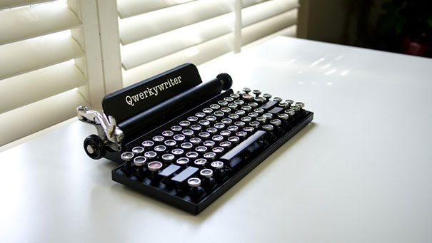 qwerkywriter-vintage-mechanical-typewriter-qwerkytoys-1