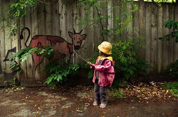street-art-interacting-with-nature-surroundings-48