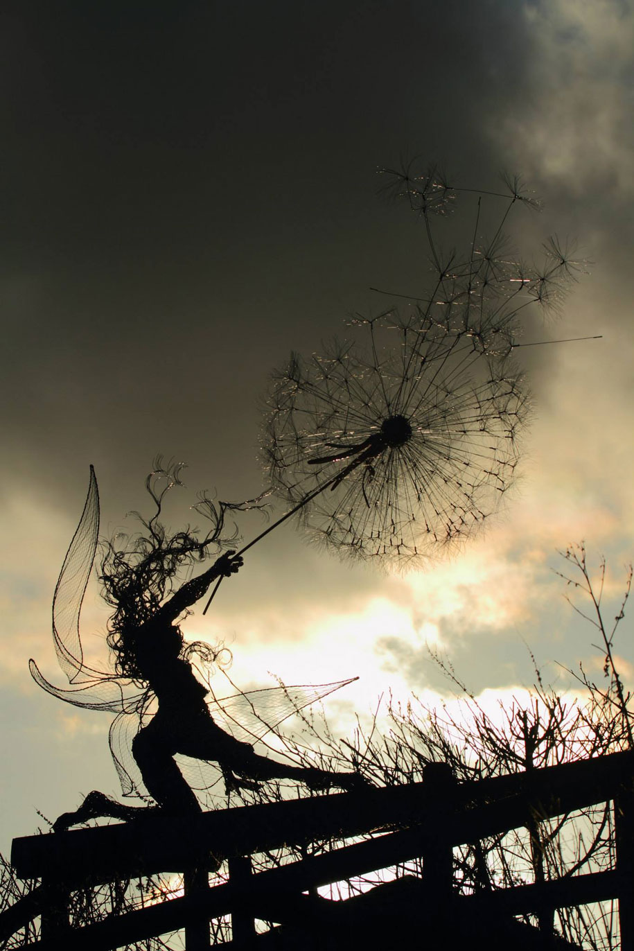 wire-fairy-dandelion-sculptures-fantasywire-robin-wight-11