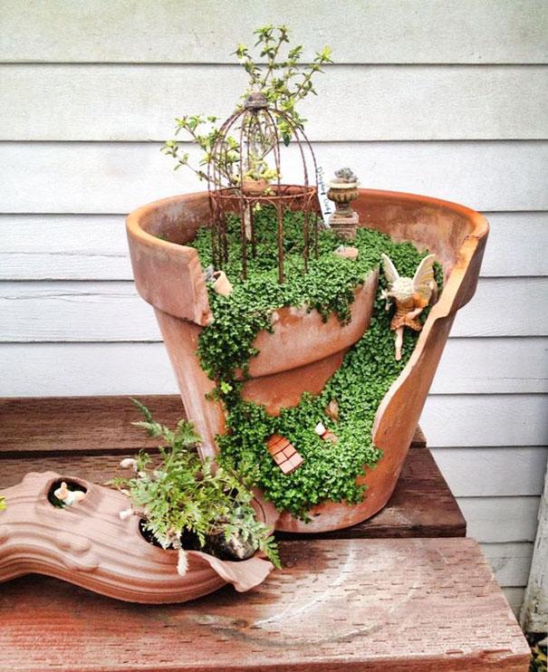 diy-broken-pot-fairy-garden-13