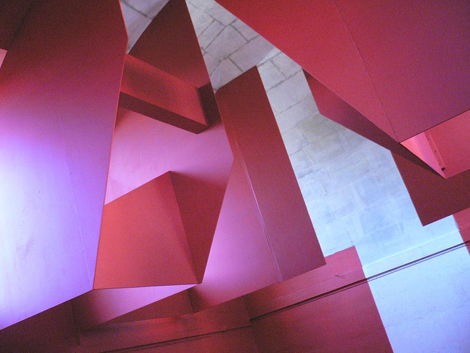 forced-perspective-art-bending-space-georges-rousse-13