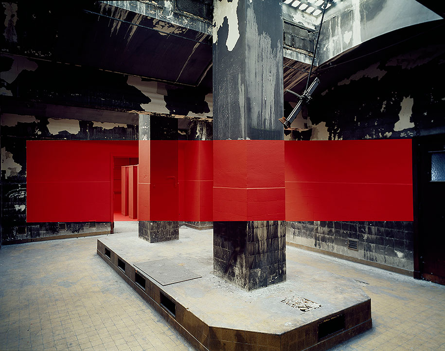 forced-perspective-art-bending-space-georges-rousse-15