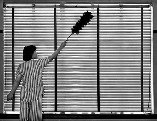 hong-kong-black-and-white-street-photography-ho-fan-12