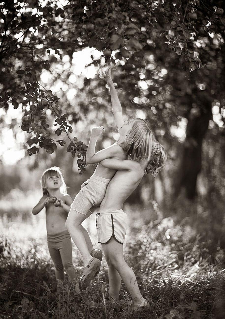summertime-countryside-children-photography-izabela-urbaniak-15