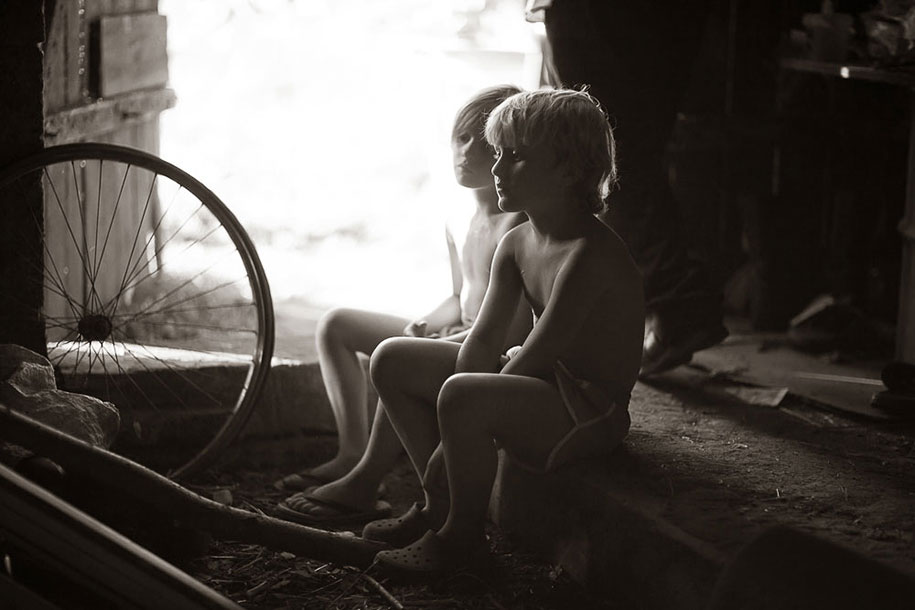 summertime-countryside-children-photography-izabela-urbaniak-2