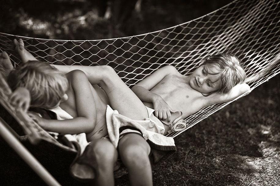 summertime-countryside-children-photography-izabela-urbaniak-3