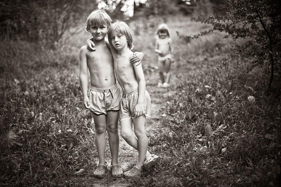summertime-countryside-children-photography-izabela-urbaniak-4