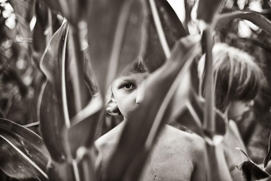 summertime-countryside-children-photography-izabela-urbaniak-8