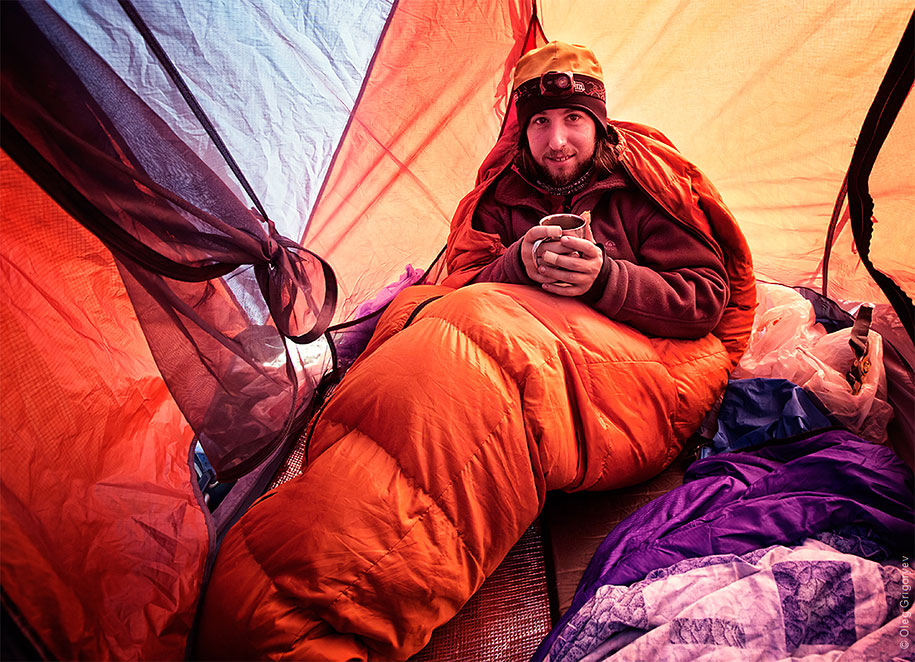 morning-views-from-the-tent-travel-photography-oleg-grigoryev-1