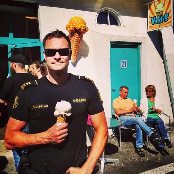 reykjavik-police-logreglan-instagram-iceland-1
