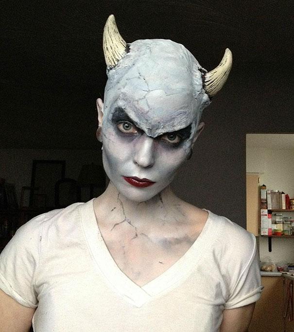 creepy-halloween-make-up-creative-ideas-26