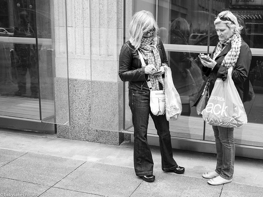 death-of-conversation-smartphone-obsession-photography-babycakes-romero-4