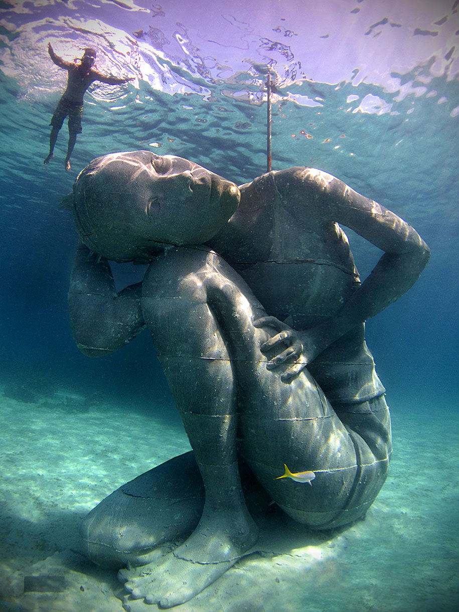 ocean-atlas-underwater-sculpture-bahamas-jason-decaires-taylor-1