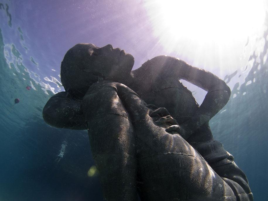 ocean-atlas-underwater-sculpture-bahamas-jason-decaires-taylor-2