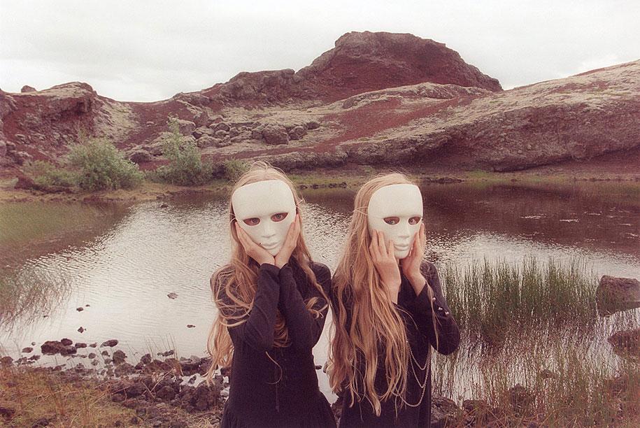 iceland-identical-twins-erna-hrefna-photography-ariko-inaoka-2