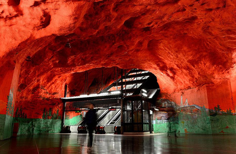 impressive-metro-subway-underground-stations-12