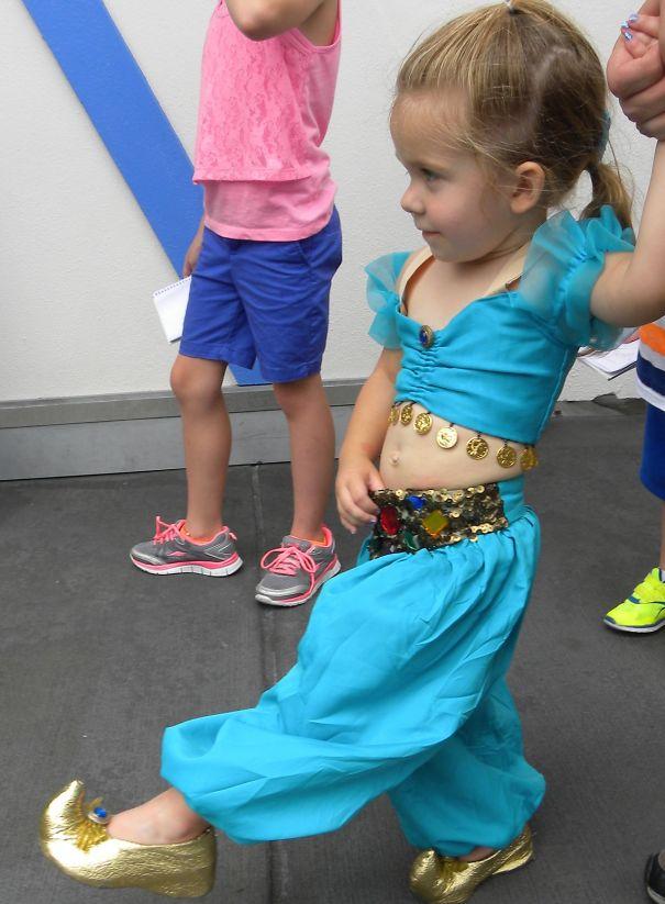 little-girl-disney-character-costume-design-15