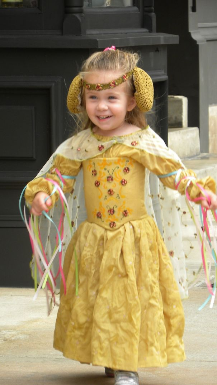 little-girl-disney-character-costume-design-16