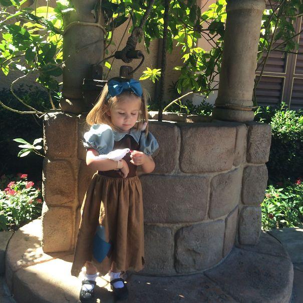 little-girl-disney-character-costume-design-4