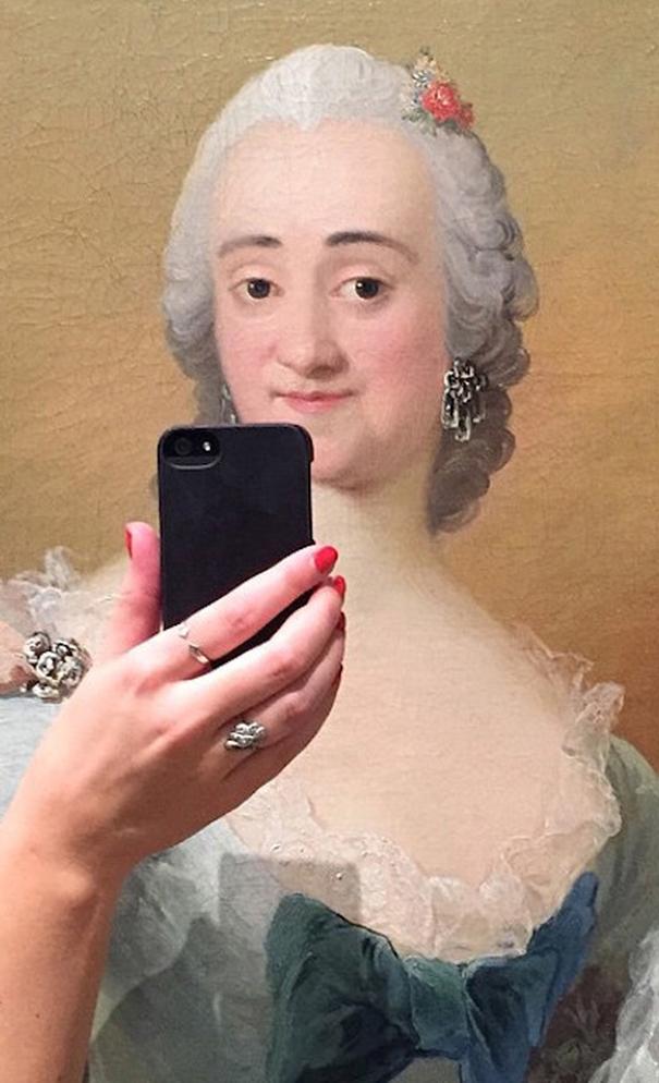 museum-historical-paintings-selfie-olivia-muus-2