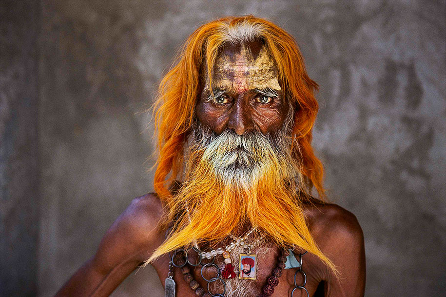 oltre-lo-sguardo-portraits-travel-photography-steve-mccurry-1