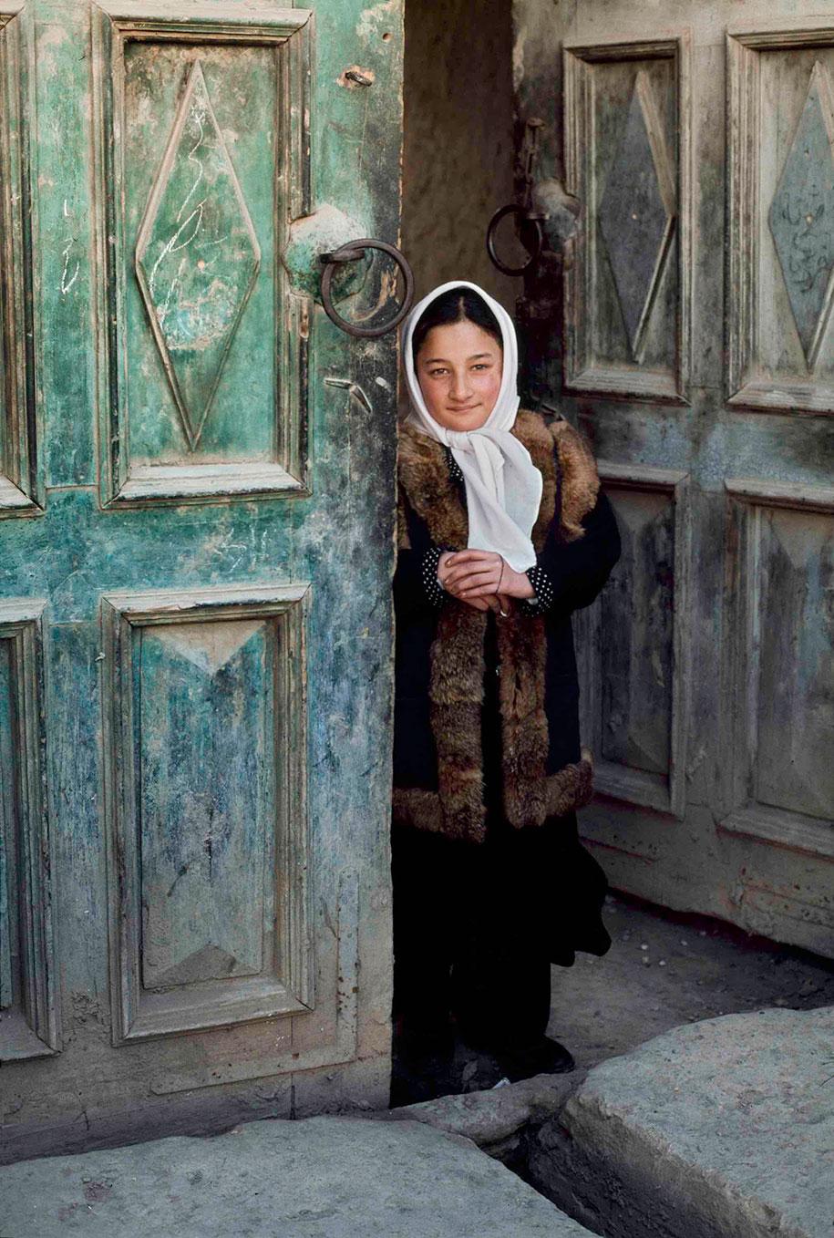 oltre-lo-sguardo-portraits-travel-photography-steve-mccurry-7